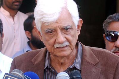 پاکستان پیپلز پارٹی کے کور کمیٹی کے رکن سینیٹر تاج حیدر نے وفاقی حکومت سے مطالبہ کیا ہے