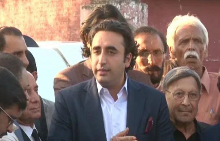 چیئرمین پاکستان پیپلز پارٹی بلاول بھٹو زرداری نے کہا ہے کہ عدلیہ ، پارلیمنٹ اور افواج پاکستان سمیت