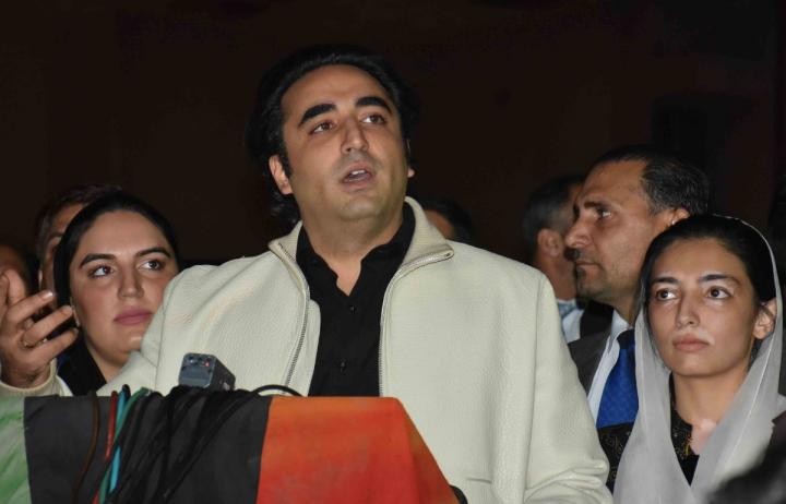چیئرمین پاکستان پیپلز پارٹی بلاول بھٹو زرداری نے گلگت بلتستان میں کرونا وائرس کے خلاف جنگ لڑکر شہادت پانے