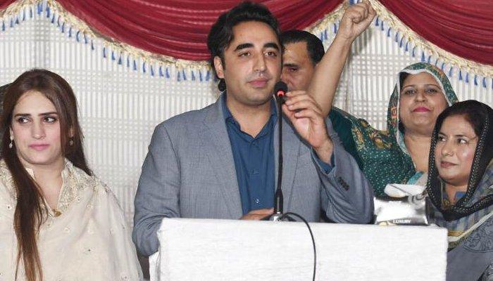 پاکستان پیپلز پارٹی کے چیئرمین بلاول بھٹو نے کہا ہے کہ مسلم لیگ ن اور پی ٹی آئی کی معاشی پالیسی میں فرق نہیں