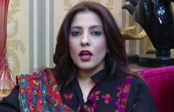 پاکستان پیپلز پارٹی کی مرکزی ڈپٹی سیکریٹری اطلاعات پلوشہ خان نے کہا ہے کہ سلیکٹڈ وزیراعظم کے بعد ان کے معاون خواہ مخواہ بھی مشکوک نکلے ہیں