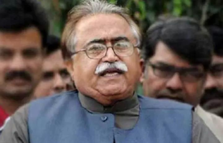 پاکستان پیپلزپارٹی پارلیمنیٹیرینز کے مرکزی سیکریٹری اطلاعات مولا بخش چانڈیو نے کہا ہے کہ عمران خان اپنے آپ کو بھی جرنل سمجھتے ہیں لیکن وردی نہ ہونے کی وجہ سے جرنل نہیں کہلا سکتے